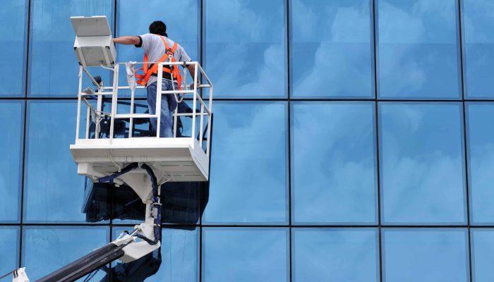 Saubere Fenster Fensterscheiben Glasfassaden Büro Innen- Außenscheiben Schaufensterscheiben Glastrennwände, Spiegelflächen, Glastüren Glasdächer Glasaufzüge Solaranlagen